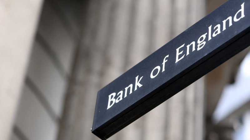 Bank of England holds rates at 0.25%