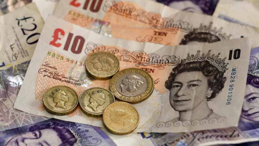 Bank of England raises interest rates from 0.50 to 0.75percent